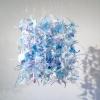 Muurbloemen I (2016) kunststof en nylon, 40 x 35 x 35 cm.